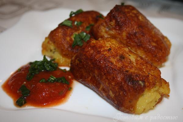 Сосиски в тесте на сковороде - пошаговый рецепт с фото на ...