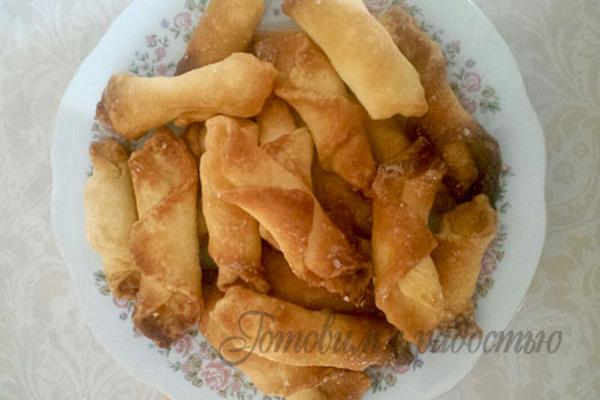 Печенье уголки с сахаром