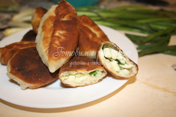 Пирожки с яйцом и луком, начинка